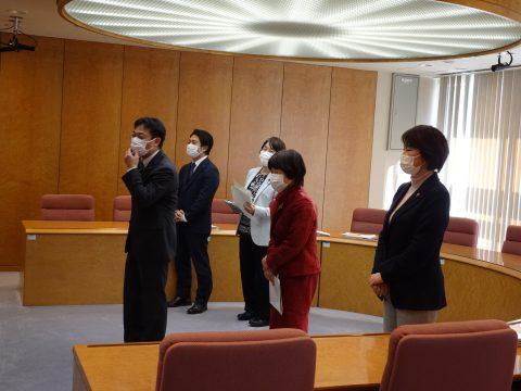 井坂団長の代表質問 生活保護扶養照会の柔軟な運用実態を答弁